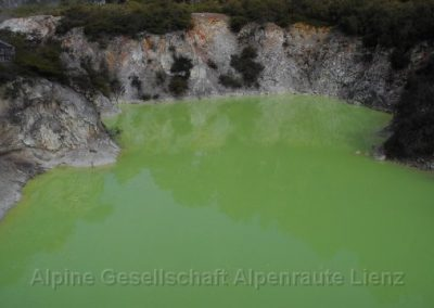 47 Rotorua Devil's Bath