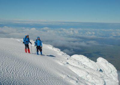 71 Taranaki Gipfel mit Meeresblick